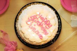 Imagen de diapositivas y ideas de canciones para un cumpleaños número 18