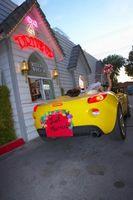 Ideas para decorar de una pareja de novios Getaway Car