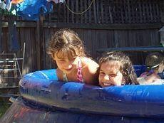 Cómo mantener una piscina para niños Clean
