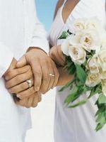 Cómo realizar una ceremonia del anillo de Mormón