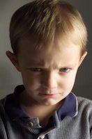 Cómo detener un Niño de lanzar en Anger