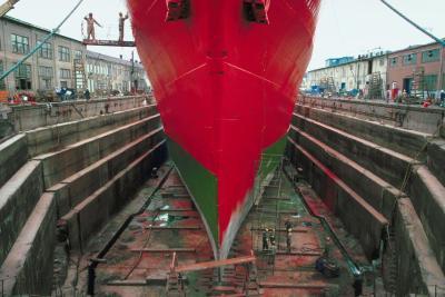 Cómo hacer diques secos para barcos