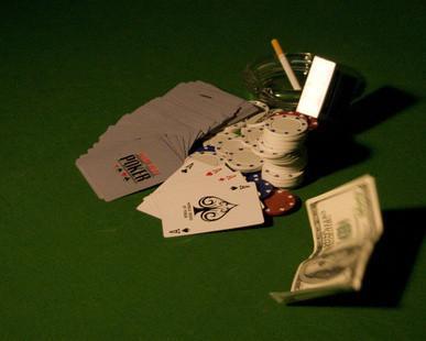 Cómo hacer dinero recibimiento de un torneo de póquer Inicio