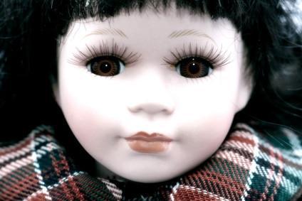 Cómo pintar una cara de la muñeca de