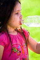 ¿Cómo hacer que los niños a beber más agua