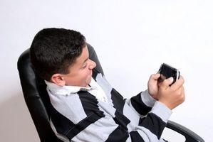 Cómo arreglar arañazos en una PSP placa frontal con un limpiador de acero inoxidable