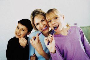 Cómo enseñar a un niño a cepillar los dientes