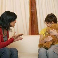 Las desventajas de la educación de los hijos Estricto
