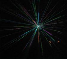 ¿Cómo se realicen a través del Hologramas interferencia de la luz?