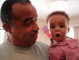 El cuidado del cabello para bebés afroamericanos