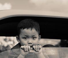 Actividades preescolares en los asientos del coche del cinturón de seguridad