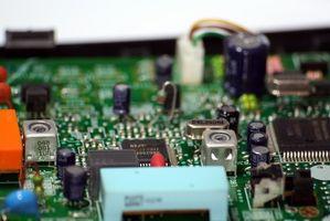 Cómo limpiar una placa de circuito impreso Dusty