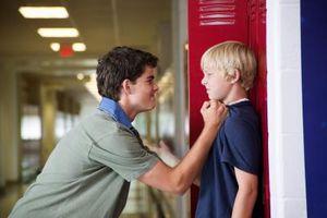 Cómo enseñar a su hijo para detener el acoso escolar