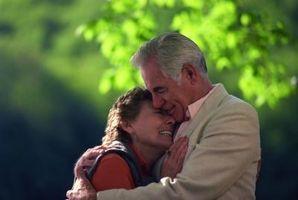Cómo dar un abrazo de un Larga Distancia