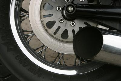 Cómo saber cuando un neumático de la motocicleta está fuera de balance