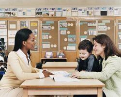 Papeles relativos de los padres y maestros en la educación de un niño