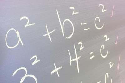 Cómo resolver dos ecuaciones de un paso en una calculadora