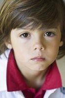 ¿Cómo se Color de los ojos que se transmiten de padres a hijos?
