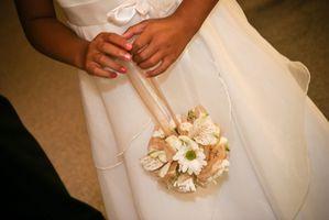 Cómo hacer una bola ramo de la flor con las flores falsas para bodas