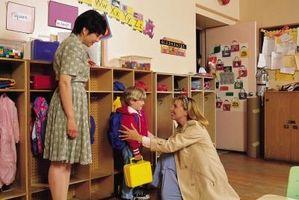Cómo ayudar a un ama de casa preparar a los niños para el Kindergarten