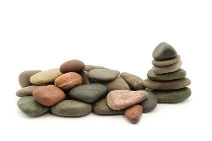 Cómo identificar los cristales que se encuentran dentro de las rocas o piedras