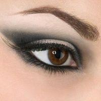 Cómo aplicar Marfil de resaltado de ojos