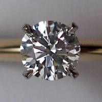 La historia de compromiso y anillos de bodas