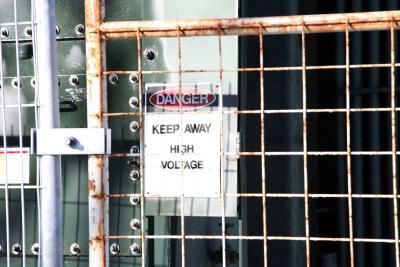 Cómo Discharge una batería de condensadores