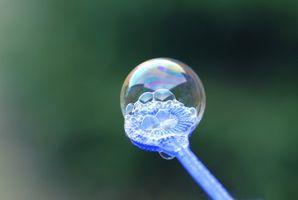 Cómo hacer varitas que hace burbujas