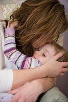 Cómo destetar y Settle un niño que quiere alimentarse a dormir?