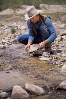 Cómo separar el oro de la piedra arenisca