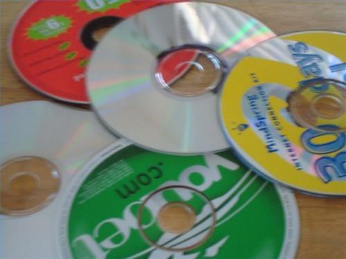 Cómo hacer un juego de damas gigante con CDs viejos
