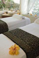 Cómo configurar una habitación para un masaje romántico