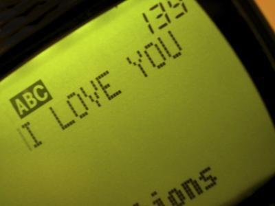 Pros y contras de mensajes de texto y relaciones