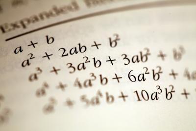 Cómo calcular ecuaciones algebraicas