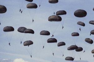 """Cómo ser un paracaidista en el """"AA3"""""""