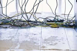 Cómo Empalme Las conexiones de cables en el Equipo