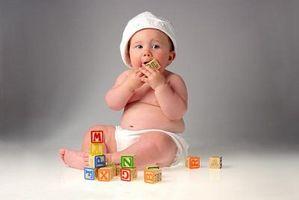 Cómo limpiar los juguetes del bebé sin utilizar desinfectantes peligrosas