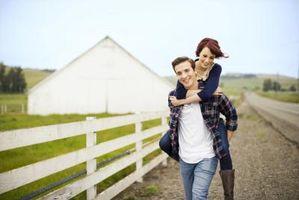 Cómo planear una boda simple del granero