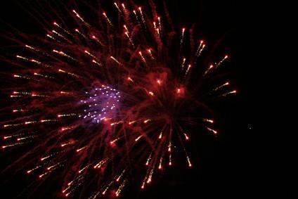 Cómo encontrar una foto de una pantalla de grandes fuegos artificiales