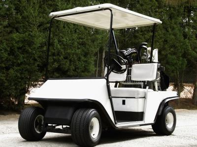Cómo reconstruir un asiento de coche de golf