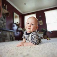 Cómo estimular los sentidos de una niña de 8 meses de edad