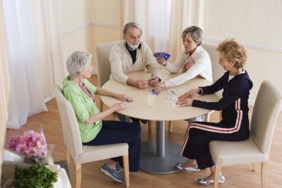 Actividades de grupo para las personas mayores que perdieron a su cónyuge