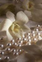 Cómo hacer que el grano Flores para un velo de novia