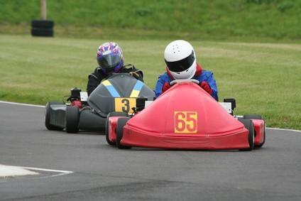 Cómo determinar la marca de un Go Kart