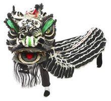 Cómo hacer un dragón chino para un desfile