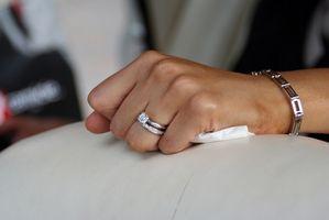 Tipos de anillos de compromiso de diamantes modernos