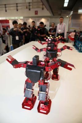 Cómo hacer un robot básico que puede hacer frente