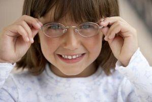 Las reacciones comunes a las lentes en los niños