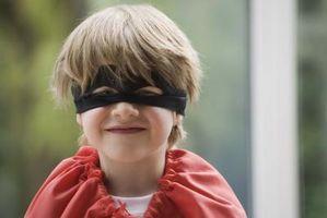 Cómo vestir un chico como un superhéroe